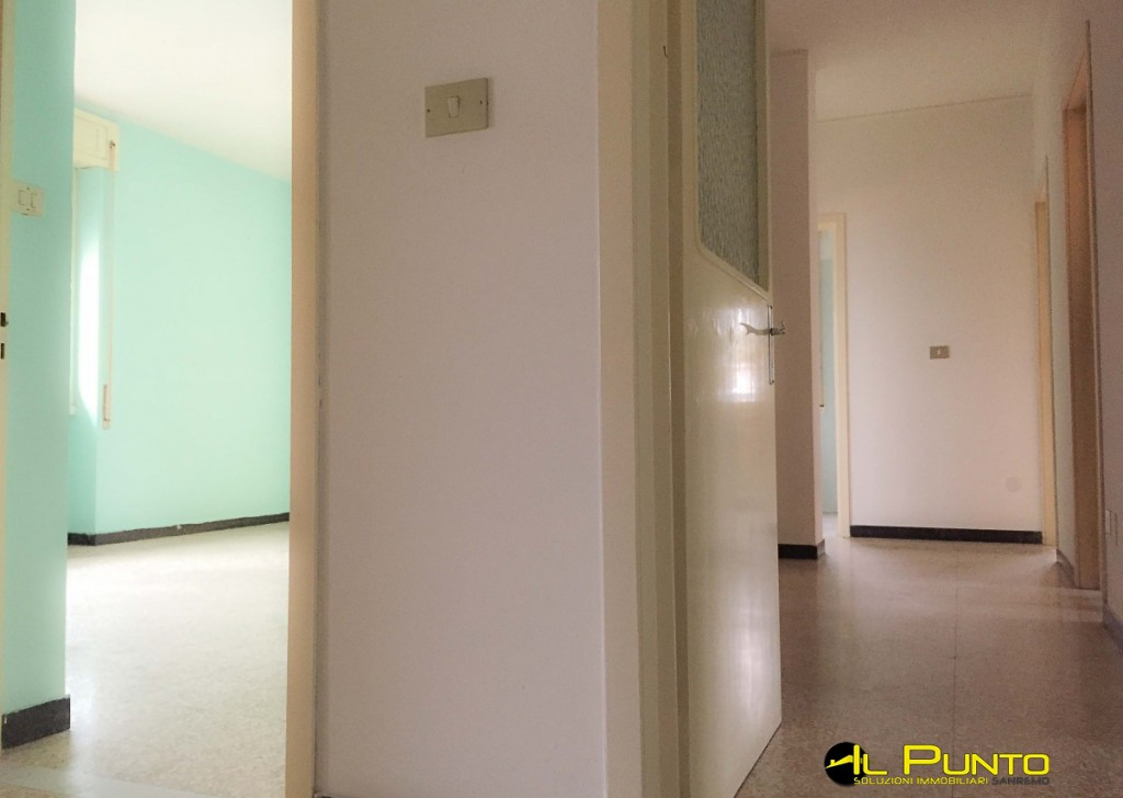 For Sale Penthouse/Last floor Sanremo - SANREMO four rooms to be renovated, Seaview Locality