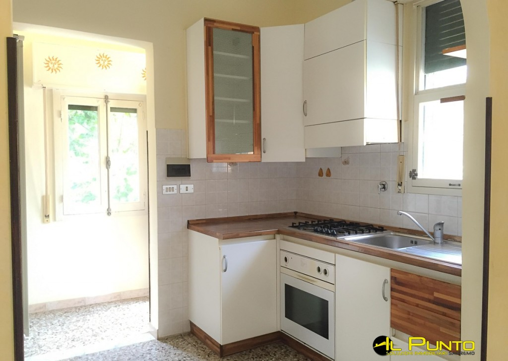 Rent Apartment Sanremo - SANREMO three-bedroom apartment in hospital area Locality
