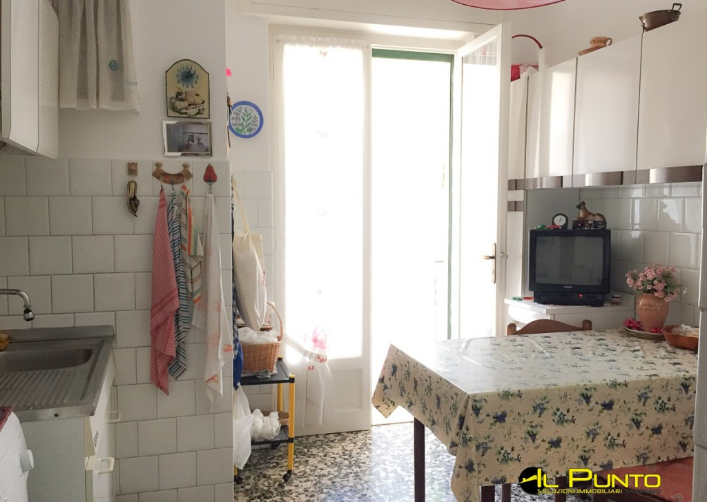 For Sale Apartment Sanremo - Two-room apartment with eat-in kitchen very close to the town centre Locality
