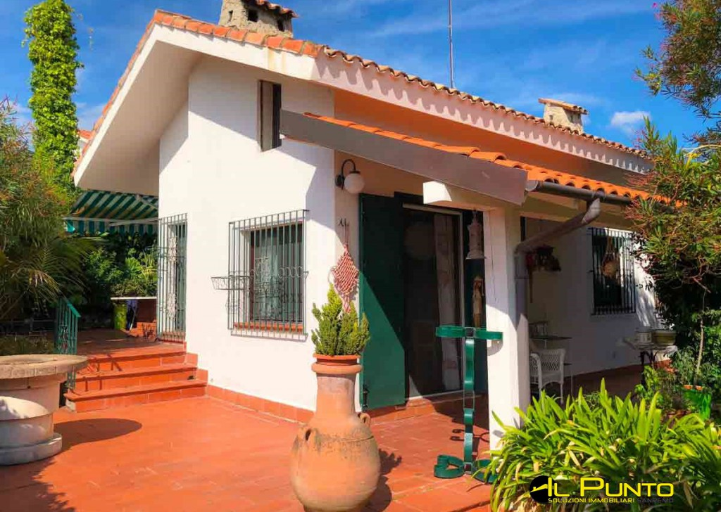 Sale Villas and Independent Houses Sanremo - SANREMO via Semeria, lovely little house with a spacious garden Locality