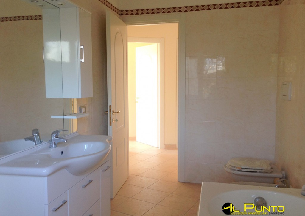 Sale Apartment Sanremo - SANREMO three-room apartment with garden completely renovated Locality