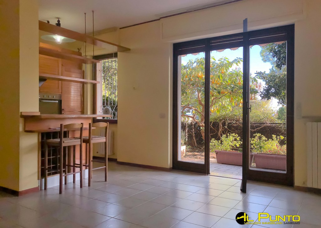 Sale Apartment Sanremo - SANREMO large apartment with terrace and garden. Locality