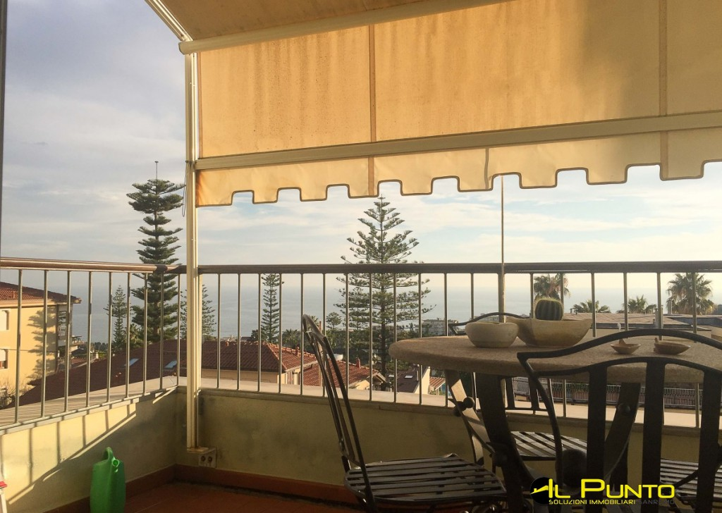 Rent Apartment Sanremo - SANREMO Solaro area, lovely apartment with terrace overlooking the sea. Locality