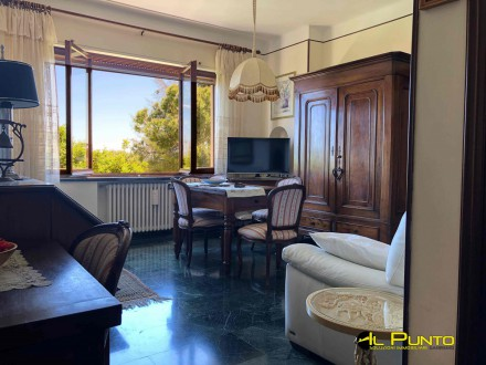 SANREMO large apartment in the back of Portosole with green and sea view